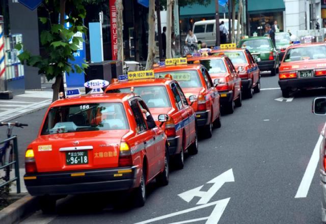 Bạn đã biết cách tìm và gọi taxi ở Nhật?